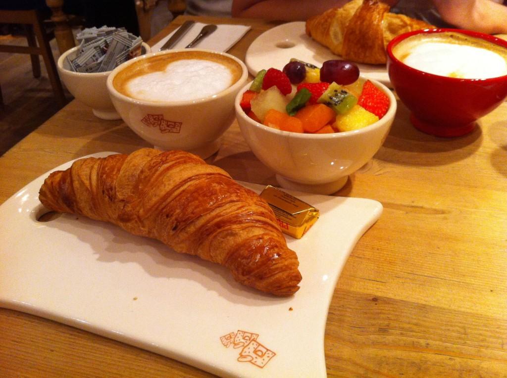 desayuno, croisant