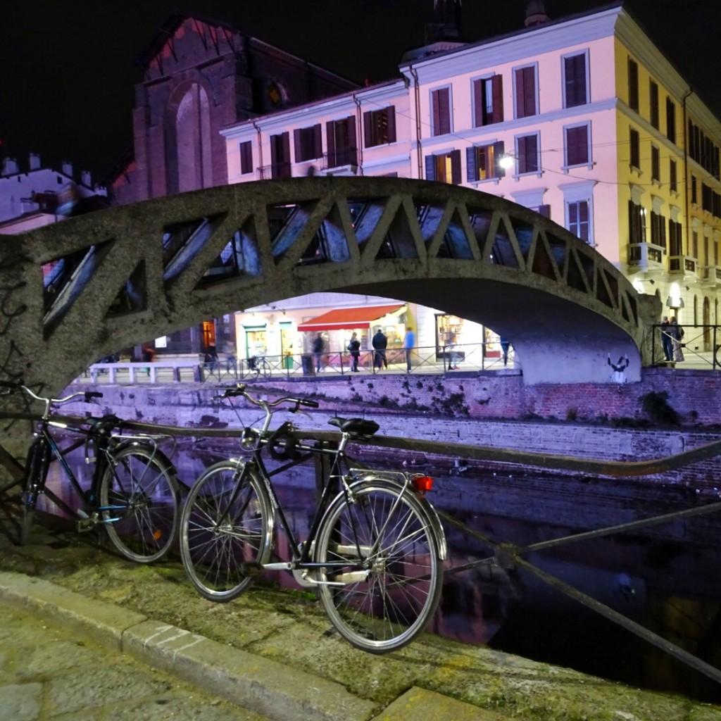 Naviglio Grande, de noche.